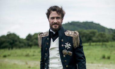 """Thomas arma para que Joaquim não consiga embarcar no navio. Quarta (1/4), em """"Novo Mundo"""""""