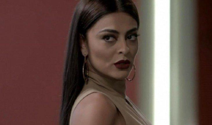 """Carolina decide seduzir Rafael. Terça (7/4), em """"Totalmente Demais"""""""