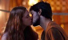 """Eliza beija Jonatas. Sábado (4/4), em """"Totalmente Demais"""""""
