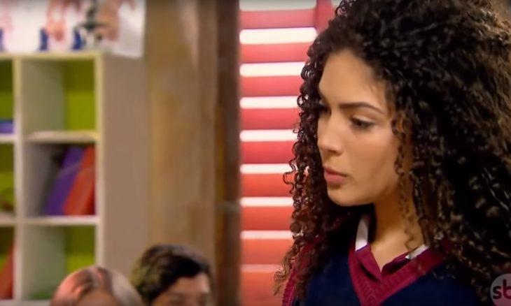 "Luca convida Gabi para sair e o casal vai ao cinema. Terça (7/4), em ""As Aventuras de Poliana"""