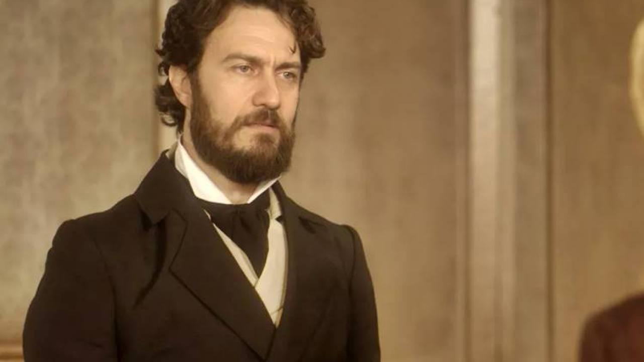 """Thomas exige que Elvira afaste Joaquim do palácio. Terça (28/4), em """"Novo Mundo"""""""