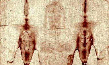 Santo Sudário é exibida ao vivo na TV e redes sociais do Vaticano