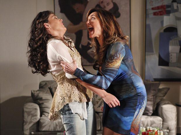 """Tereza Cristina discute com Patrícia. Hoje (6/4), em """"Fina Estampa"""""""