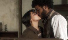 """Cecília beija Libério. Quarta (20/5), em """"Novo Mundo"""""""