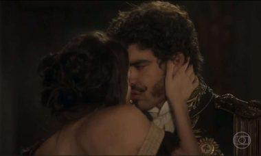 """Dom Pedro e de Domitila se beijam. Sábado (16), em """"Novo Mundo"""""""