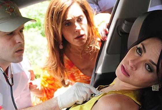 """Marcela é atingida por um tiro. Sábado (16/5), em """"Fina Estampa"""""""