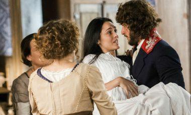 """Joaquim ajuda Anna durante o parto. Terça (12/5), em """"Novo Mundo"""""""
