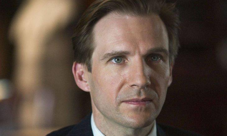 "Ralph Fiennes será a vilã Srta. Trunchbull em regravação de ""Matilda"""
