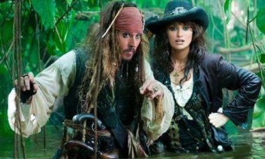 """""""Piratas do Caribe: Navegando em Águas Misteriosas"""" é o filme da Sessão da Tarde desta sexta (26)"""