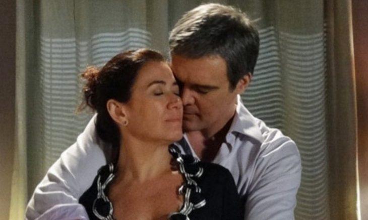 "Renê e Griselda se beijam. Terça (2/6), em ""Fina Estampa"""