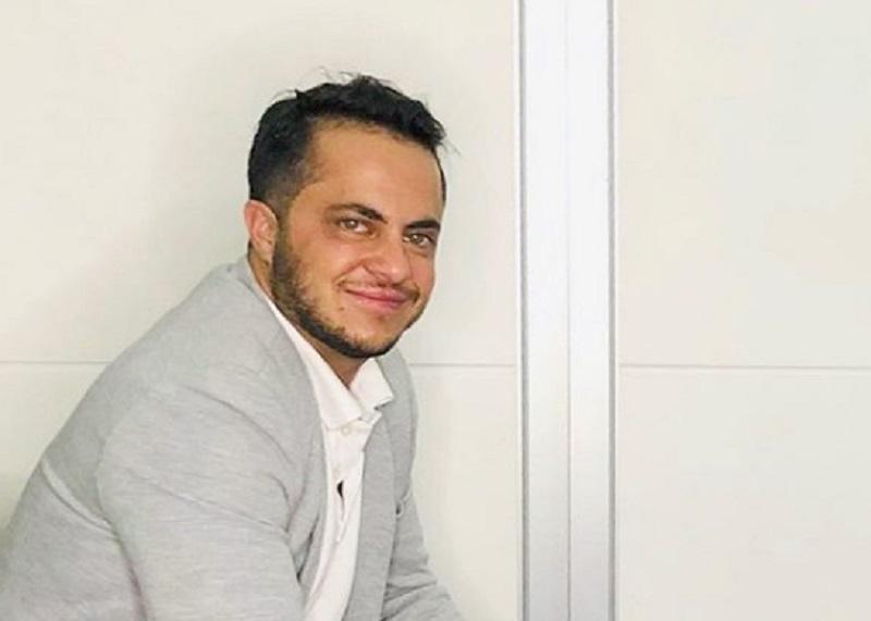 """""""Tem amor enrustido por mim"""", diz Thammy Miranda sobre Carlos Bolsonaro"""