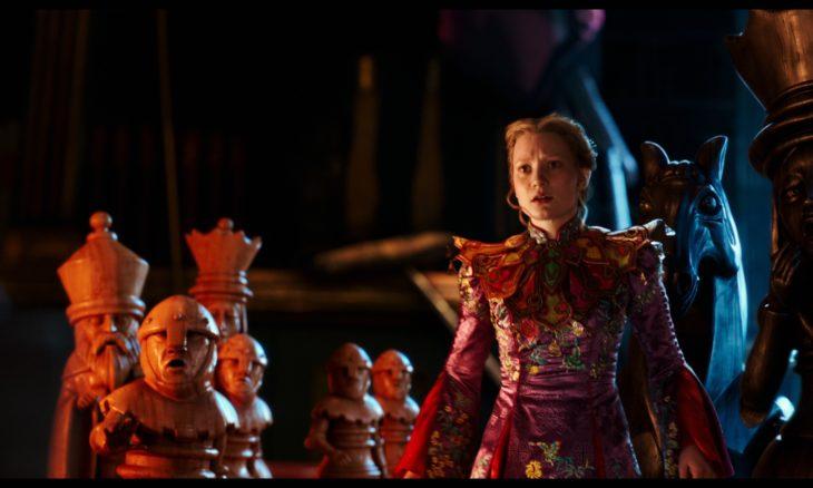"""""""Alice Através do Espelho"""" é o filme da Temperatura Máxima deste domingo (19)"""