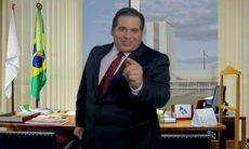 """""""O Candidato Honesto"""" é o filme do Corujão I deste sábado (1º)"""