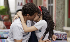 "Keyla vê Tato beijar K2. Segunda (27/7), em ""Malhação"""