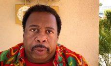 """Ator de """"The Office"""" compartilha mensagens racistas que recebeu"""