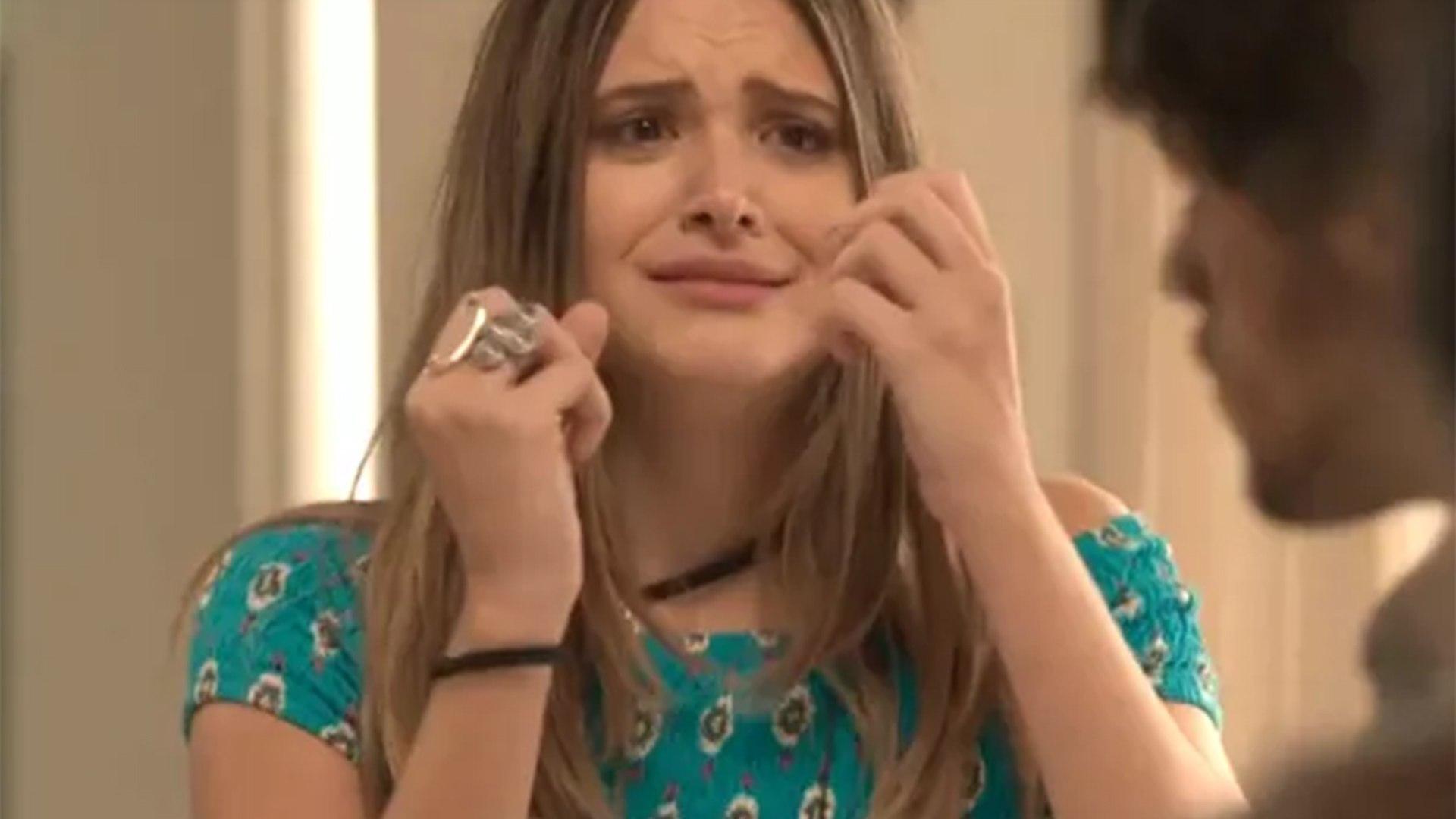 """Fabinho termina seu relacionamento com Cassandra. Hoje (31/8), em """"Totalmente Demais"""""""