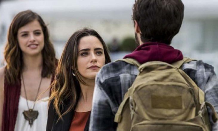 """Bruna avisa para Giovanni que Camila perdeu a memória nesta terça (20) em """"Haja Coração"""""""