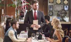 """Rubinho fica tenso com a presença de Jeiza no restaurante nesta segunda (26) em """"A Força do Querer"""""""