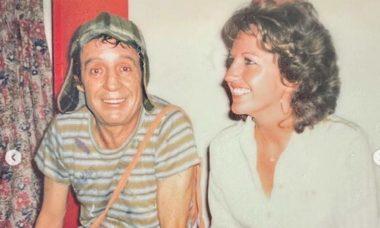 """Esposa do ator de """"Quico"""" libera fotos inéditas e raras de todo o elenco de """"Chaves"""""""