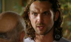 """Alberto fica transtornado ao descobrir que Ester saiu de casa nesta terça (26) em """"Flor do Caribe"""""""