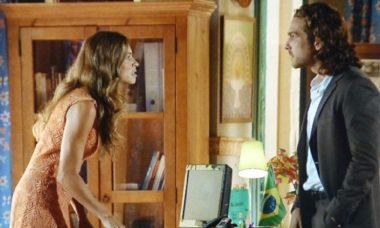 """Ester briga com Alberto e decide deixar casa com os filhos nesta segunda (26) em """"Flor do Caribe"""""""