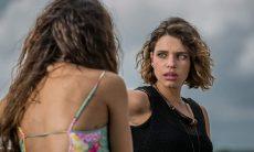 """Cibele encontra Ritinha em casa na praia de Amaro nesta quinta (8) em """"A Força do Querer"""""""