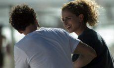 """Ivana fala de sua sexualidade com Zu e beija Cláudio nesta quarta (7) em """"A Força do Querer"""""""