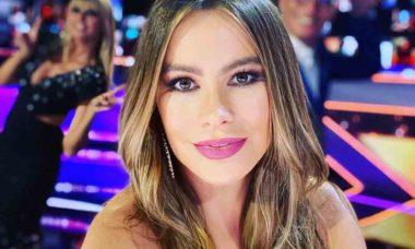 """A atriz Sofía Vergara, estrela da série """"Modern Family"""", liderou o ranking das agtrizes mais nem pagas. Foto: Reprodução Instagram"""