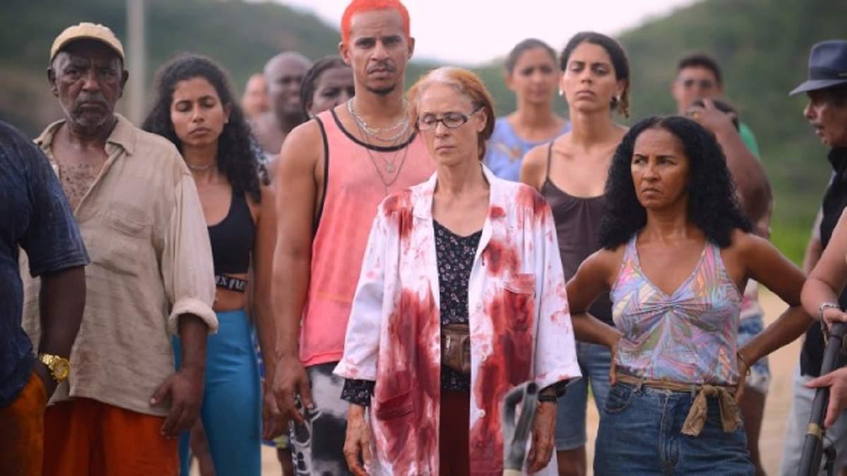 """Globo vai exibir o sucesso nacional premiado """"Bacurau"""" na """"Tela Quente"""" desta segunda (30)"""