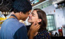 """Keyla e Tato se beijam nesta quarta (25) em """"Malhação - Viva a Diferença"""""""