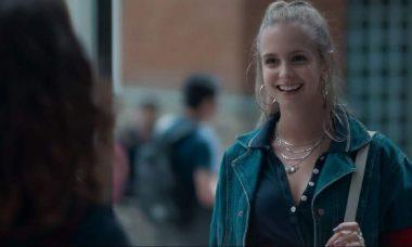 """Clara se interessa por roupas do brechó nesta quinta (26) em """"Malhação - Viva a Diferença"""""""
