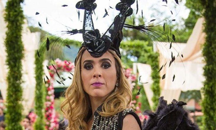 """Fedora choca a todos com o novo vestido de noiva nesta terça (3) em """"Haja Coração"""""""