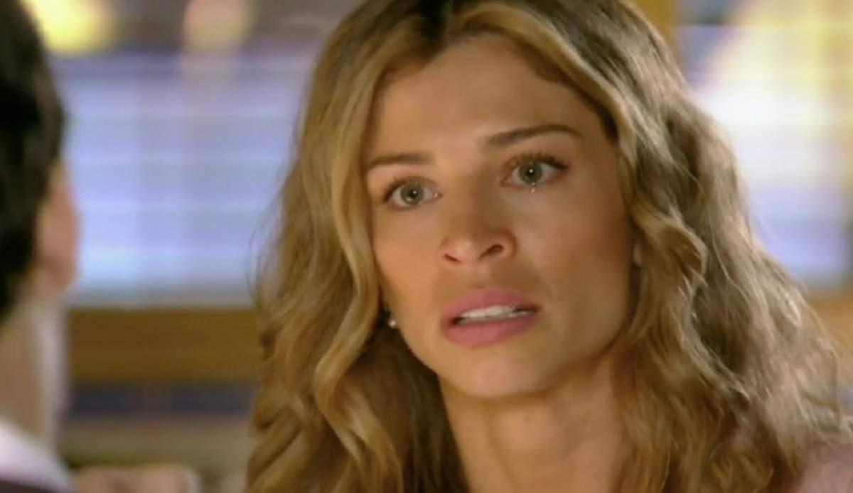 """Ester depõe à polícia e não consegue proteger Cassiano neste sábado (21) em """"Flor do Caribe"""""""
