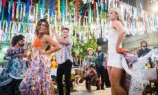 Jeiza e Ritinha se desafiam dançando o carimbó