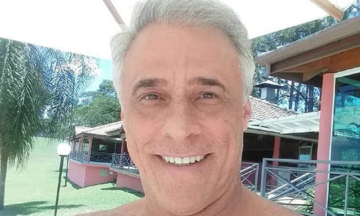 """Oscar Magrini fala sobre """"teste do sofá"""" da Globo: """"quartinho do pó e do c*"""". (Foto: Reprodução/Instagram)"""