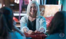 """Tina conta para as amigas como foi sua experiência no Japão nesta quinta (12) em """"Malhação"""""""