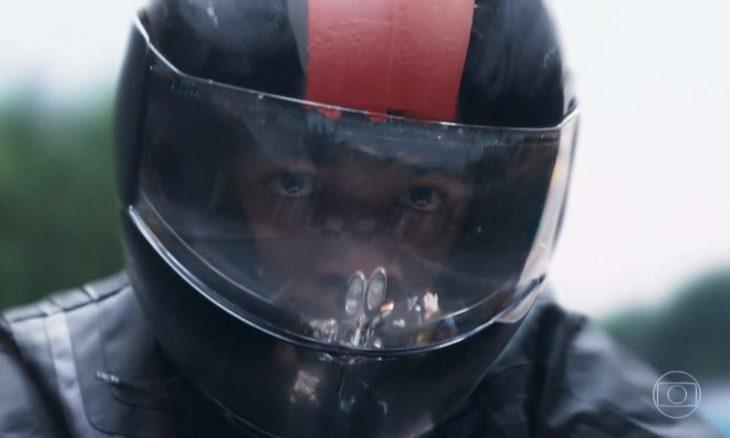 """Anderson sofre um grave acidente de moto nesta sexta (4) em """"Malhação - Viva a Diferença"""""""