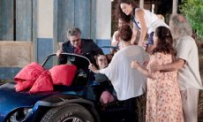 """Duque presenteia Amaralina com um carro nesta quarta (30) em """"Flor do Caribe"""""""