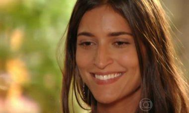 """Carol confessa seus sentimentos por Lino nesta segunda (7) em """"Flor do Caribe"""""""