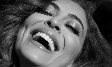 Juliana Paes posa de lingerie e fãs vibram. Foto: Reprodução Instagram