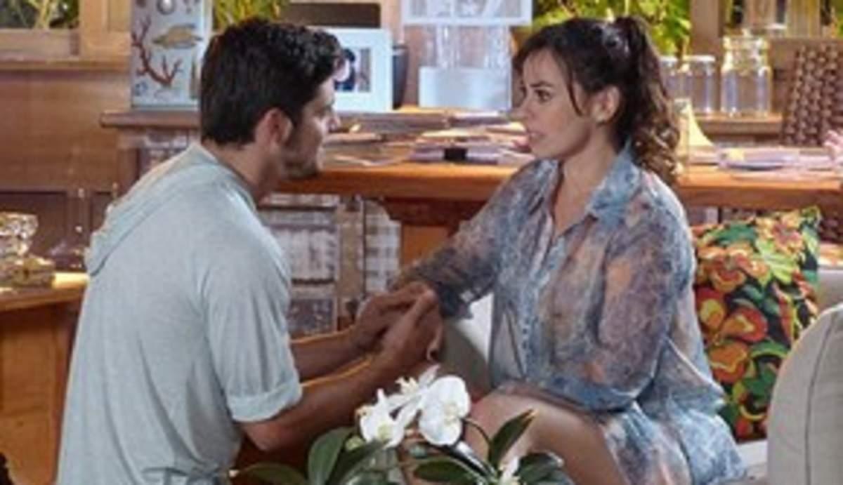 """Juliano pede Natália em casamento nesta sexta (11) em """"Flor do Caribe"""""""