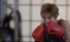 """Karina pede para lutar com Duca nesta segunda (1) em """"Malhação: Sonhos"""""""