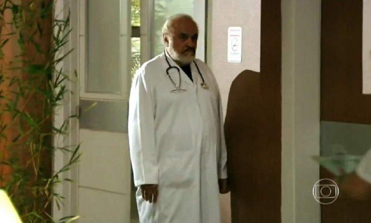 """Samuel corre perigo quando Arruda se veste de médico nesta quarta (6) em """"Haja Coração"""""""