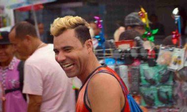 Globo vai exibir a comédia nacional 'Um Suburbano Sortudo' no 'Supercine' deste sábado (30)