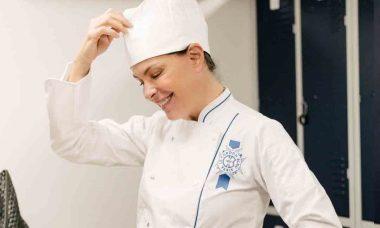 Carolina Ferraz começa a estudar em conceituada escola de culinária francesa. Foto: Reprodução Instagram