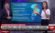 """""""Pergunta da Deide Costa. É verdade que não se deve acordar um sonâmbulo?"""", questionou a apresentadora da CNN Brasil. Foto: Reprodução Youtube"""