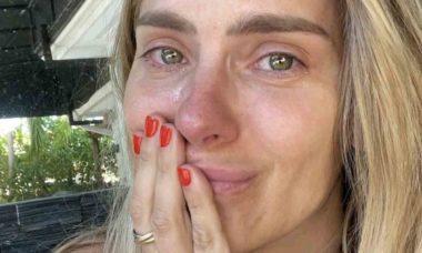 """Carolina Dieckmann se emociona ao rever cena famosa de """"Laços de Família"""" (Foto: Reprodução/Instagram)"""