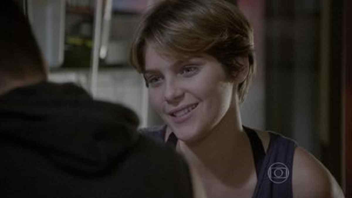 Karina revela para Duca que está apaixonada por ele nesta terça (9) em 'Malhação: Sonhos'