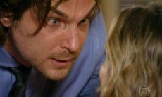Alberto vai à casa de Ester e exige que ela volte para a mansão nesta sexta (12) em 'Flor do Caribe'
