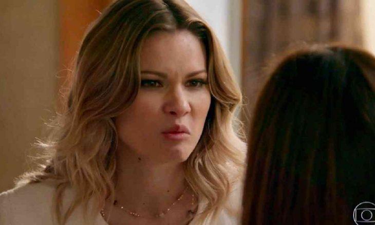 """Com ajuda de Carmela, Jéssica arma colocar Shirlei na cadeia nesta sexta (19) em """"Haja Coração"""""""